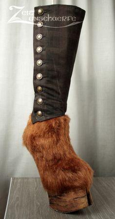 Der fertige Huf-Stiefel für den Steampunk-Faun