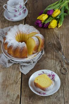 Rezept für einen Gugelhupf mit Topfenvon Sweets & Lifestyle® Love Eat, Love Food, No Bake Desserts, Delicious Desserts, Sweet Recipes, Cake Recipes, Gateaux Cake, Cake Bars, Sweets Cake
