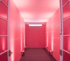 Der #red room beim europäischen Presseevent zum #Ultimune Launch in Paris. The power of #red