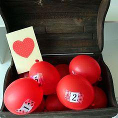 """Caixa """"explosiva"""": em cada balão você coloca um motivo pelo qual ama o seu namorado(a). #baloons #box #gift #surprise #creative #creativity #diadosnamorados #valentinesday"""