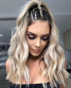 10 Beautiful Braids You Should Try This Spring – Related posts:Good Super Easy Updos for Beginners to Try in 202033 Easy Hairstyles for This Spring Break - peinados Box Braids Hairstyles, Trendy Hairstyles, Girl Hairstyles, Wedding Hairstyles, Hairstyle Ideas, Bangs Hairstyle, Going Out Hairstyles, Beautiful Hairstyles, Black Hairstyles