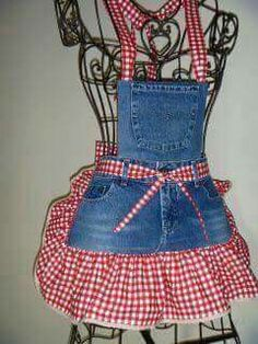 Interesting ideas for decor: We sew an apron from old jeans. We sew an apron of old jeans. Jean Apron, Sewing Aprons, Denim Aprons, Sewing Diy, Sewing Ideas, Cute Aprons, Denim Ideas, Denim Crafts, Recycle Jeans