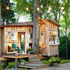 Double tap and tag someone that loves the Tiny Lifestyle!  #tinyhouse #tinyhome    Follow  @tinylifestyle