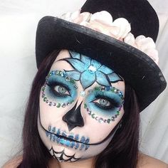 Forehead and chin Candy Skull Makeup, Candy Skulls, Sugar Skulls, Sugar Skull Face Paint, Halloween Skull, Vintage Halloween, Halloween Costumes, Sugar Skull Halloween Makeup, Skeleton Costumes