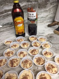Tiramisu pudding shots, topped with lady fingers and cocoa powder! Just like the classic Italian dessert! Vanilla Pudding Shots, Pudding Shot Recipes, Sugar Free Vanilla Pudding, Jello Pudding Shots, Sugar Free Chocolate Syrup, Jello Shot Recipes, Drinks Alcohol Recipes, Yummy Drinks, Jello Shots