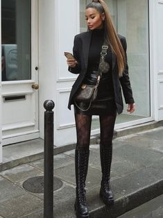 Discovered by Find images and videos about fashion, look and chanel on We Heart It - the app to get lost in what you love. Winter Fashion Outfits, Look Fashion, Autumn Winter Fashion, Fall Outfits, Womens Fashion, Night Outfits, Looks Chic, Looks Style, Cute Casual Outfits
