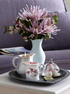 Fast jeder hat altes Porzellan zu Hause, das er längst auf dem Flohmarkt verkaufen wollte. Basteln Sie für die gemütliche Herbstzeit doch einfach Kerzen daraus. Wir zeigen wie!
