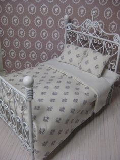 Beddings for the dolhouse bed by Miniatyrmama on Etsy, $15.00