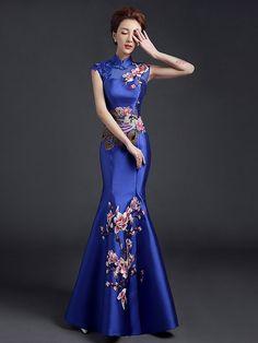 image visits) Custom Tailored Fishtail Qipao / Cheongsam Dress with Floral & Phoenix Embroidery - CozyLadyWear Oriental Fashion, Asian Fashion, Pretty Dresses, Beautiful Dresses, Gorgeous Dress, China Mode, Cheongsam Dress, Ao Dai, Traditional Dresses