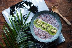 Wer keine Lust hat, ständig die überteuerten Chia Samen zu kaufen, kann auch das Superfood Leinsamen verwenden. Hier das Rezept für einen Leinsamen Pudding.