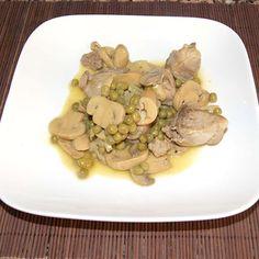 Acabamos de terminar el plato que vamos a comer hoy con ¡Qué rico! Mis recetas. Hemos preparado cerdo agridulce con champiñones, que nos recuerda a la receta oriental...pero con sabores tradicionales.
