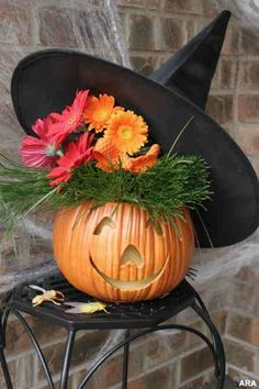 DIY Halloween witch arrangement - Dman would love this pumpkin!