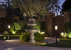 31 Landscape Lighting Ideas Walkways to Beautify Your Front Yard. Prior to you invest in any type of landscape lighting, ask yourself what your functions Pathway Lighting, Landscape Lighting, Outdoor Lighting, Outdoor Decor, Lighting Ideas, Lighting System, Outdoor Ideas, Lighting Design, Farmhouse Landscaping