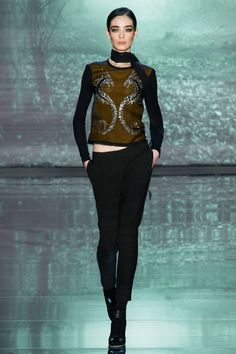 42 photos of Nicole Miller at New York Fashion Week Fall 2015.