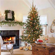 traditioneller-weihnachtsbaumschmuck
