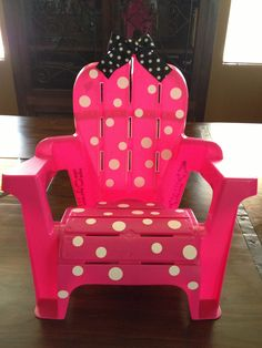 Minnie Mouse chair made out of a plain toddler chair from wal mart!