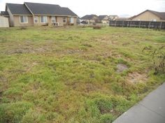 Twin Buttes Subdivision residential building lots available.  Buy 1 or Buy multiple lots. 80+ Foot of frontage , CCR's, 1600 Square Foot minimum, 5/12 roof pitch, 30 year Arch. shingles, front yard lawn/landscaping & sprinklers.  All city utilities to lot.  Bring your own builder or builder available.