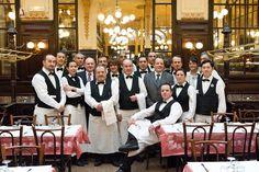 Bouillon Chartier - Traditional restaurant in Paris Bouillon Chartier 7 rue du Fauboug Montmartre • 75009 Paris Phone: 01 47 70 86 29 Fax: 01 48 24 14 68 Métro : Grands Boulevards, Richelieu, L8 L9 Bus : L74 Open 7 days a week - No Booking Hours: 11.30am-10pm