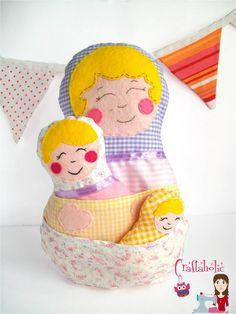 Babushka Matryoshka Russian Nesting Dolls - Matryoshka doll, nesting doll made of fabric - Cloth doll - All three included. €28,00, via Etsy.