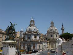 Iglesias de Santa Maria de Loreto y Santisimo Nombre de Maria, junto a la Columna de Trajano