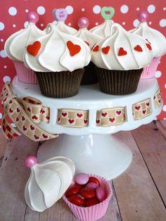 Edible cupcake favor boxes