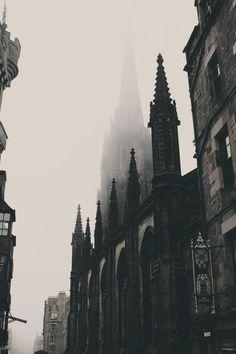 Edinburgh Photo – Old City – Old Town – Architecture – Vertical – Digital Photo … Edinburgh Foto – Altstadt – Altstadt – Architektur –. Dark Green Aesthetic, Gothic Aesthetic, Slytherin Aesthetic, Digital Foto, Gothic Architecture, Architecture Colleges, Gothic Buildings, Architecture Portfolio, Classical Architecture