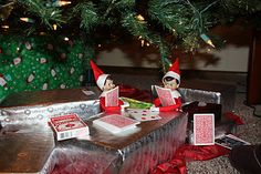 Apparently our Elves on the Shelf like to play a game of Goldfish or two while the house is asleep. Christmas Elf, Christmas And New Year, Christmas Crafts, Christmas Ideas, Hallmark Christmas, Elf On The Self, The Elf, Angry Elf, Elf Games