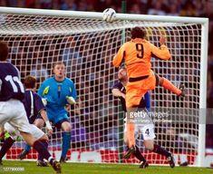 Ruud Van Nistelrooy, Basketball Court, Football, Memes, Sports, Soccer, Hs Sports, Futbol, Meme