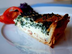 Kale & Smoked Bacon Quiche- Forget what you know about spinach, kale is where it's at. I did sausage instead of bacon. Cheddar and mozzarella cheese instead of buffalo parmesan. Bacon Kale, Smoked Bacon, Bacon Quiche, Kale Quiche, Spinach, Best Brunch Recipes, Favorite Recipes, Sydney Food, Quiche Recipes