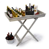 Super cute table for outdoor entertaining.
