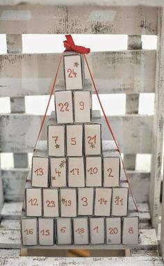 DIY Adventskalender zum Nachbasteln und selber Befüllen.  #DIY #Streichholzschachtel #Adventskalender Advent Calendar, Calendar Ideas, Yule, Xmas, Holiday Decor, Blog, Crafts, 3d, Vintage