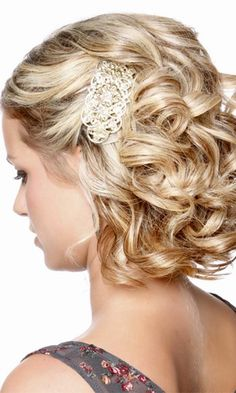 24 Short Wedding Hairstyle Ideas So Good Youd Want To Cut Your Hair ❤ See more: http://www.weddingforward.com/wedding-hairstyle-ideas-for-short-hair/ #wedding #bride More