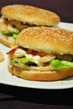 Garnelenburger mit Speckbröseln & Zitronen-Remoulade