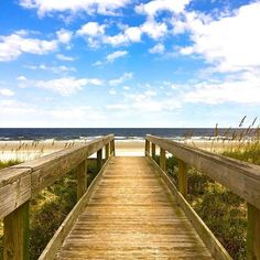 Hello, Jacksonville! Our editorial fellow, Chandler Stroman, is on the road for us this week, scouting food, drink, and beaches along this pretty, pretty stretch of Florida coastline. We approve. #OnlyInJax
