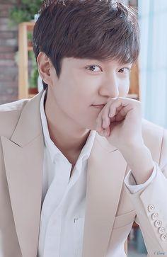 Lee Min Ho ❤ for innisfree Korean Celebrities, Korean Actors, Lee Min Ho Wallpaper Iphone, Le Min Hoo, Lee Min Ho Smile, Lee Min Ho Photos, Hallyu Star, Innisfree, Turkish Actors
