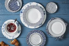 The Blueprint collection embraces a colour scheme that never goes out of style: blue and white The classic Laura Ashley stripes and floral designs flow seamlessly and together enhance the elegant look on the dinner table https://www.tafelenkeuken.nl/shop/laura-ashley.html