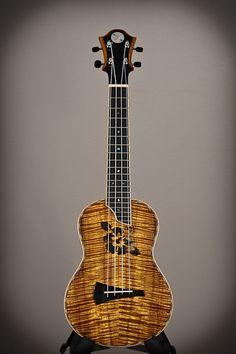DeVine Guitars and Ukuleles : Guitar gallery : Ukulele gallery : Custom Koa Guitars and Kasha Ukuleles of Maui, Hawaii