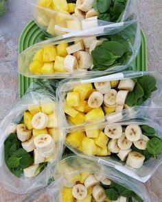 Freezer Smoothie Prep Packets. Pina-Colada Green Smoothies! 2 servings per packet Ingredients: 1 cup fresh pineapple chunks 1... #greensmoothiepreppacks #pinacoladasmoothie #smoothiebags