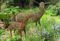 How gorgeous...willow deer for the garden!!