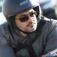 Ajith extraordinary chasing sequence Tamil Cinema News -   Ajith has done daring stunts in many of his movies, even though he had to get operated in his leg because of this he din't stop doing the stunts...  Read More: http://www.kalakkalcinema.com/tamil_news_detail.php?id=6909&title=Ajith_extraordinary_chasing_sequence