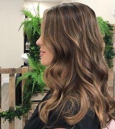 Brown Hair Balayage, Brown Blonde Hair, Light Brown Hair, Hair Color Balayage, Light Hair, Hair Highlights, Brown Hair Natural Highlights, Balyage Long Hair, Sun Kissed Highlights