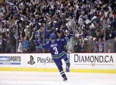 Canucks are going to the Stanley Cup Finals! Kevin Bieska scores in double OT for the Vancouver Canucks to win versus the Sharks. Stanley Cup Playoffs, Stanley Cup Finals, San Jose Sharks, Vancouver Canucks, Nhl, I Scream, Hockey, Basketball Court, Baseball Cards