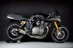Suzuki Katana GSX1000 Cafe Racer Carbon #motorcycles #caferacer #motos | caferacerpasion.com