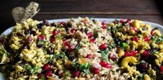 Το ρύζι στα γιορτινά τραπεζώματα των Χριστουγέννων και της Πρωτοχρονιάς…3 Μοναδικές Συνταγές Pasta Salad, Cobb Salad, Rice Recipes, Potato Salad, Side Dishes, Food And Drink, Sweets, Baking, Ethnic Recipes
