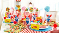 A Carnival Party That's a Prize #carnival #themeparty www.bitememore.com