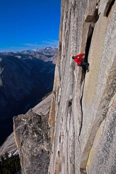Exciting extreme footage of photo contest Red Bull Illume 08