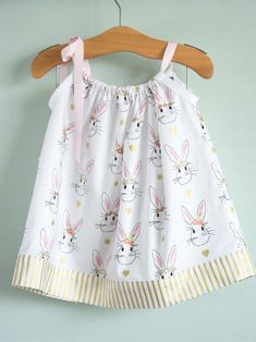51 Things to Sew for Baby - Pillowcase Dress Tutorial - Cool Gifts For Baby, Easy Things To Sew And Sell, Quick Things To Sew For Baby, Easy Baby Sewing Projects For Beginners, Baby Items To Sew And S (Cool Crafts To Sell) Dress Sewing Tutorials, Sewing Hacks, Sewing Tips, Tutorial Sewing, Love Sewing, Baby Sewing, Sew Baby, Sewing Patterns Free, Dress Patterns