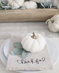 Rustic Thanksgiving, Thanksgiving Table Settings, Thanksgiving Centerpieces, Pumpkin Centerpieces, White Pumpkins, White Pumpkin Decor, Deco Table, Decoration Table, Fall Home Decor