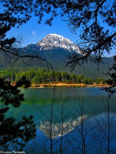 The artificial lake Doxa and Mount Dourdouvana m) in the background, mountainous Corinthia, Peloponnese, Greece Greece Travel, Italy Travel, Fuerza Natural, Greek Flowers, Beautiful Places, Beautiful Pictures, Spain And Portugal, What A Wonderful World, Nature Scenes