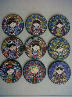 Recuerdos en puntillismo, virgencitas: Mandala Canvas, Mandala Dots, Mandala Design, Dot Art Painting, Mandala Painting, Christmas Mandala, Mandala Painted Rocks, Mosaic Wall Art, Stone Art